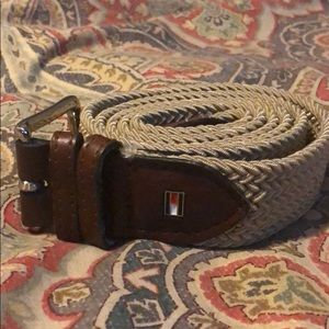 ⭐️⭐️ 2 for $20 ⭐️⭐️Tommy Hilfiger belt. L 40-42